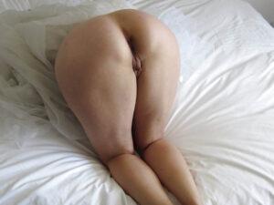 Milf matura di Milano ninfomane cerca uomo per sesso anale