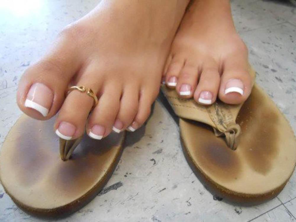 Marcella di Roma milf cerca uomo amante piedi femminili